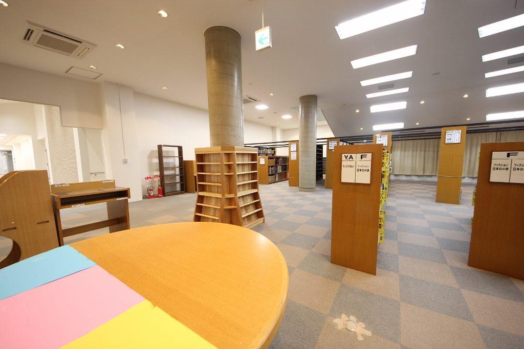 図書室4後