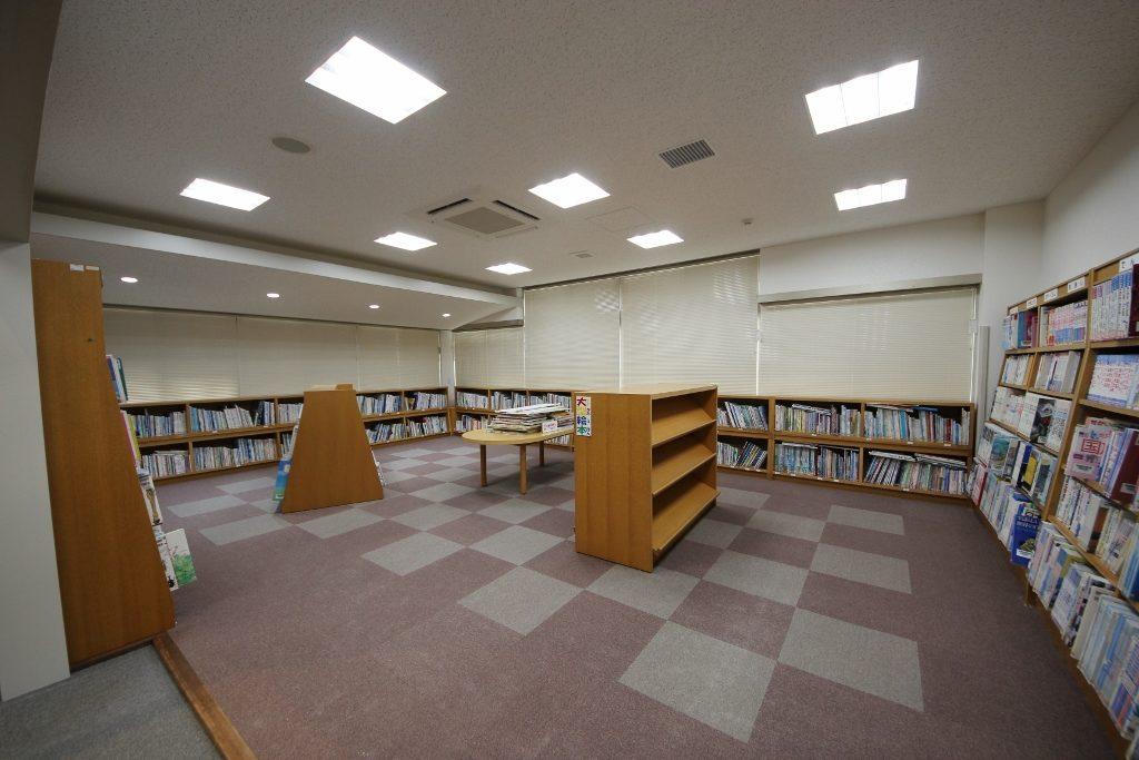図書室5後(照明変化1)
