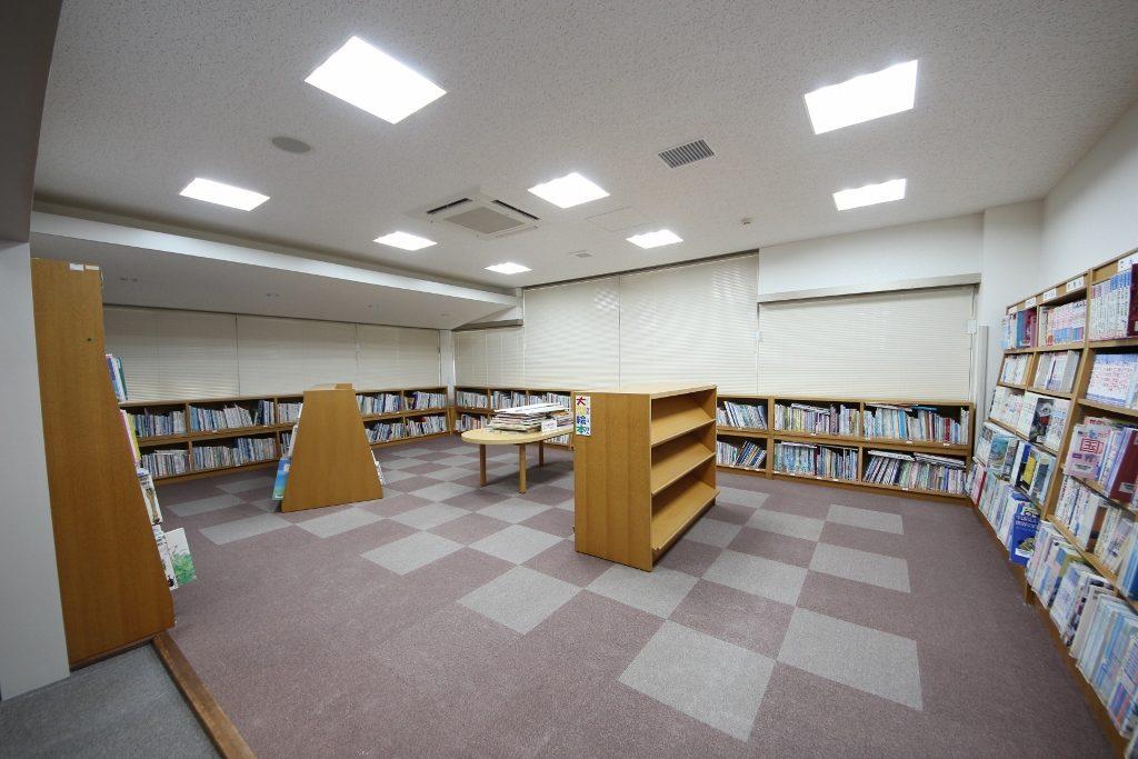 図書室5後(照明変化3)