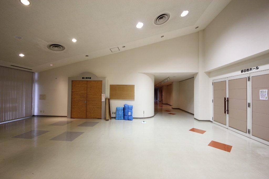 資料室廊下2前